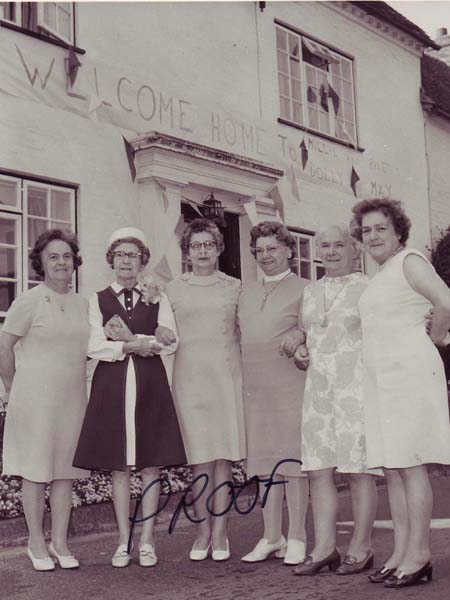 Six of the daughters outside Barnards, c 1980. L to R, Nellie Goddard, May Barratt, Dolly Barratt, Millie Barratt, Lillie Nicholson, Rose Mauback. The eldest sister, Maud Christmas, had died by this time.
